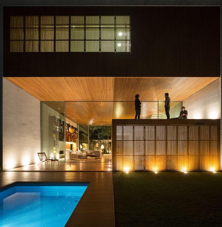 Archello · boisstudio maisonsao paulomaisons modernesmouvement modernedécoration de maisonplafondsbrésilarchitecture