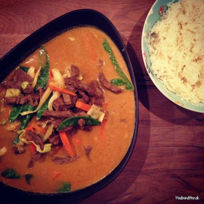 Yellow thai curry with cauliflower rice - LCHF