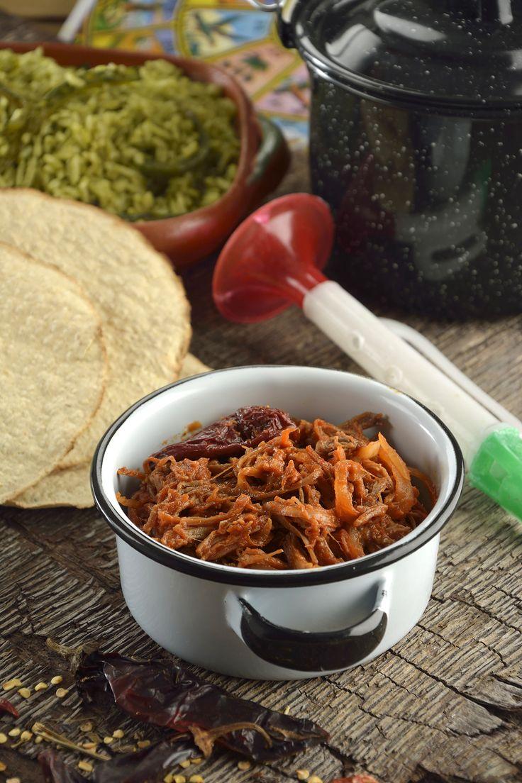 La receta de tinga de Res tradicional es una de las comidas mexicanas con más tradición, ya que es una comida casera muy rica, sabrosa y muy fácil de elaborar. Esta preparación es una receta sencilla de elaborar, perfecta para elaborar unas ricas tostadas de tinga.