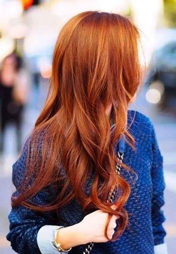 Fai splendere i capelli con l'Henné de Shiraz! Oltre a rinforzare e ridonare lucentezza ai capelli opachi, purifica il cuoio capelluto e previene la forfora.  Ottimo prodigio naturale per la cura dei capelli!!  http://www.kalisia.it/15_henne-de-shiraz