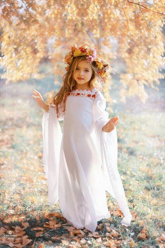 """•♥  """" É preciso estar em Paz para ver as belezas que Deus colocou em nosso caminho... os amigos, as oportunidades e as alegrias que vão sempre sorrindo durante o dia."""" ♥ (Rafaela Bueno)♥"""