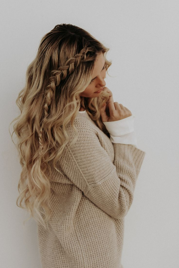 March Podcast: Freakonomics - Barefoot Blonde by Amber Fillerup Clark - Hair and makeup inspiration from everyday to the runway. Makeup, beauty, tutorials, natural, hair, hairstyles, products, makeup tips, hacks, eyes, lips, face, everyday, contour, eyebrows, vanity