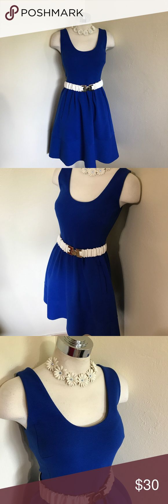 Banana Republic Blue Ribbed Knit Summer Dress 6 M Label-Banana Republic Style- sleeveless, with scoop neck tank style top over a full inverted pleated skirt, pockets in folds, exposed gold zip up back. Pretty and Lady like on a summer day. Unlined  Size-6 Shown on a 2 5'8 mannequin and pinned. Falls just above knee.  Measurements-B-36 W-28 Hip-Full Shoulder to hem-36 Color-Cobalt Blue Fabric- Mid-weight Ribbed Poly Cotton Knit Condition-Lightly if ever worn Origin-China Banana Republic…