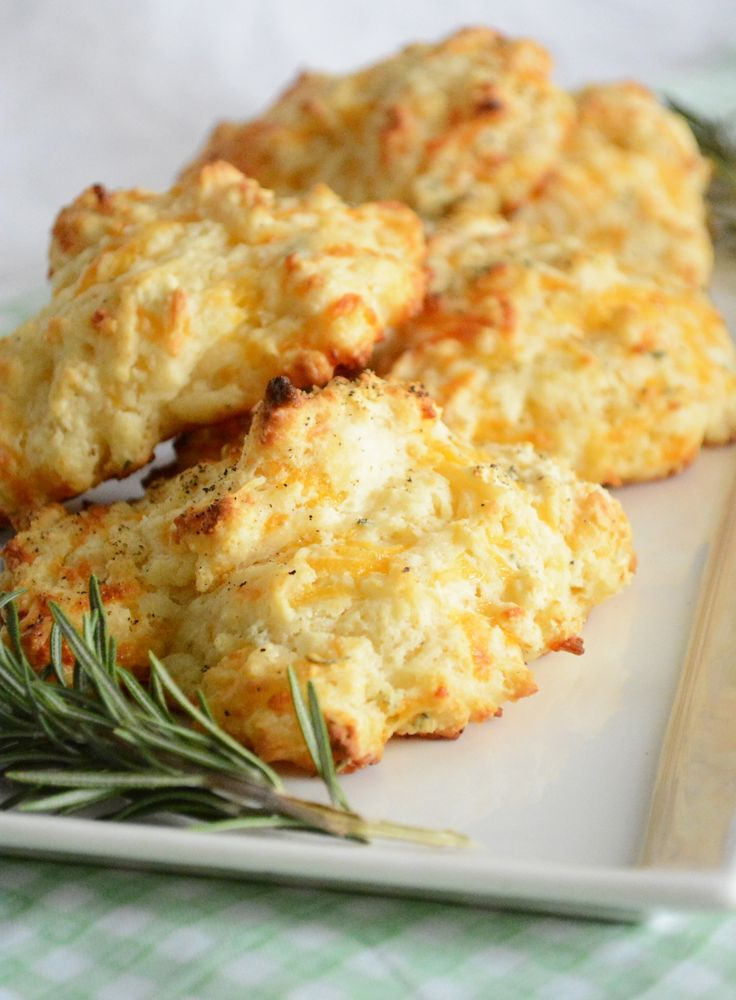 Rosemary and Cheddar Drop Biscuits   www.cookingandbeer.com   @jalanesulia   Cooking and Beer
