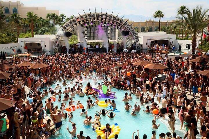 Alesso set - Daylight Beach Club, 3950 S Las Vegas Blvd, Las Vegas, NV 89119, USA