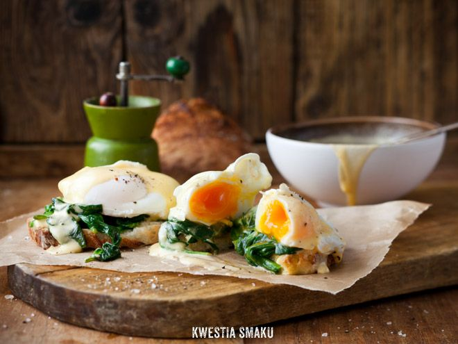 Jajka po florentyńsku.