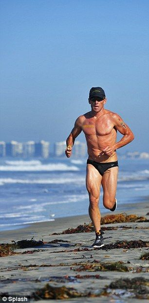 Lance Armstrong decided to go old school and wear a speedo for the bike and run