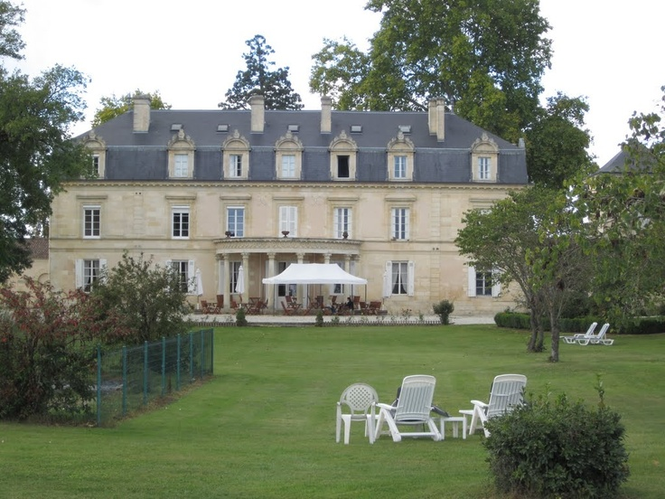 Beautiful Chateau where we stayed for visiting the grand crus wineries in Bordeaux. http://www.napaandbordeaux.com: Beautiful Chateau, Castle