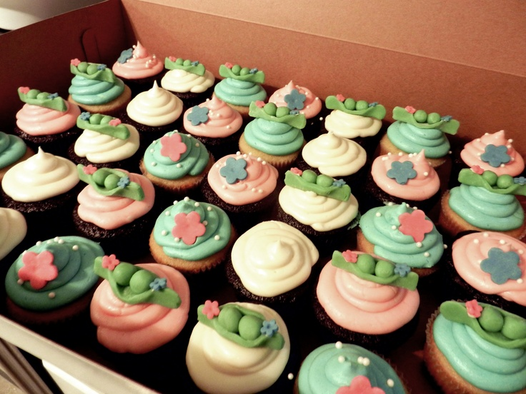 Twin boy and girl baby shower cupcakes (created by Carrie's Babycakes)
