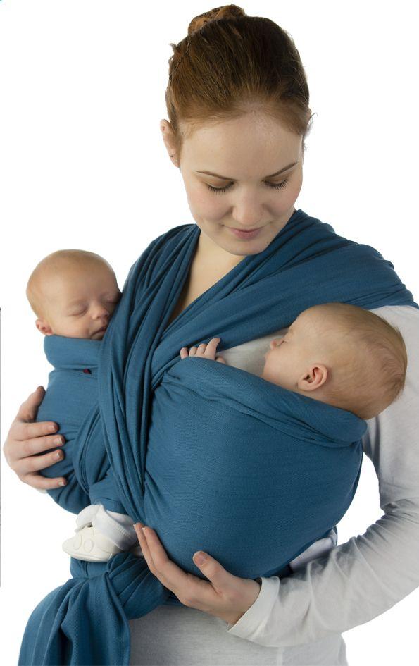 Portez votre bout de chou tout près de vous grâce à l'écharpe de portage BB-Slen de Babylonia.
