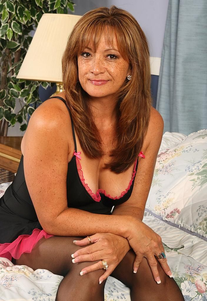 Mature Woman 06  Mommas  Cougar Dating, Old Women -8849
