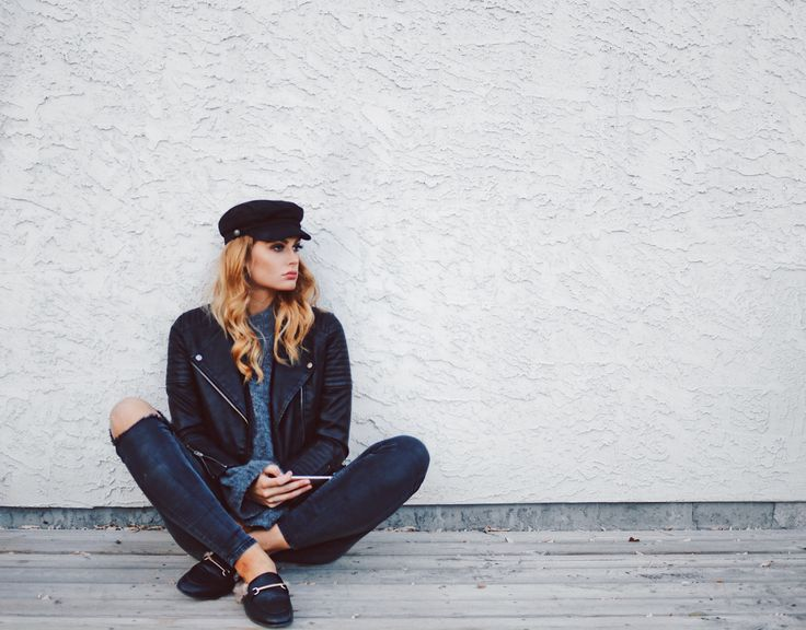 • casual fall style •  #fall #fashion #style #stevemadden #outfit #casual #hat #newsboyhat #allblack