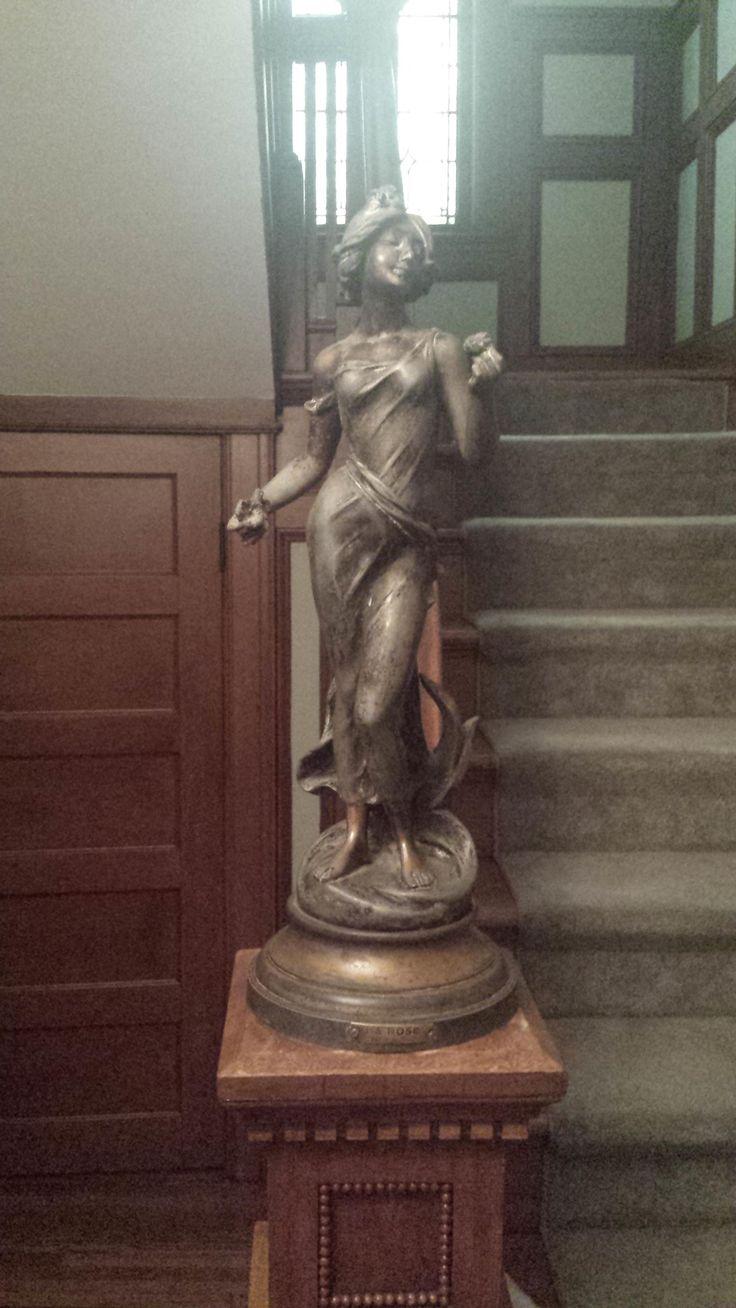 Statue - Imgur