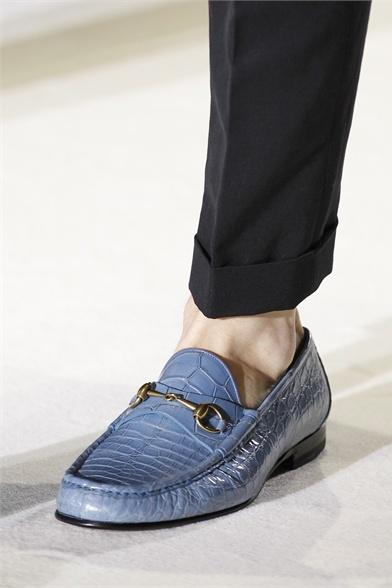 DAC provare a tingere i mocassini marroni di Gucci  Gucci - Moda Uomo Primavera Estate 2013 - Vogue.it