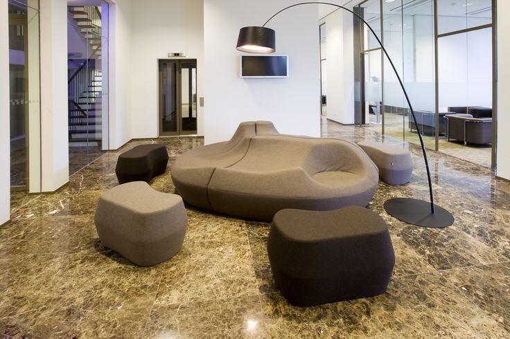 Project: Rabobank Maastricht e.o. Holland Projectinrichter: Aarts en co Kantoor en projectinrichters Product: Moroso - Saruyama island