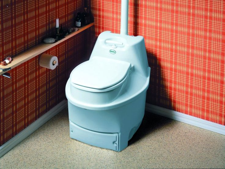 Подсматреть в сельскком туалете