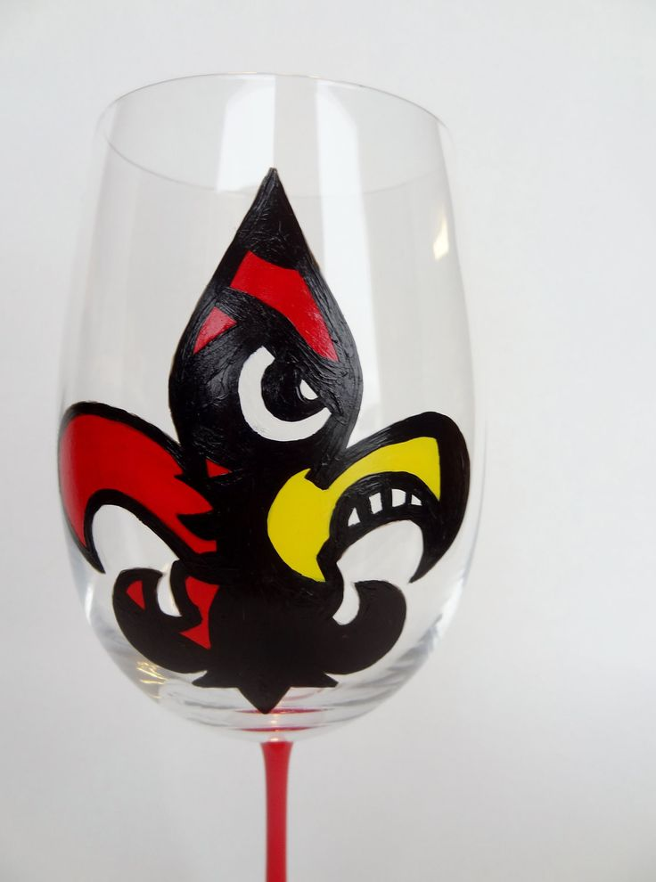 handpainted louisville cardinal fleur de lis wine glass