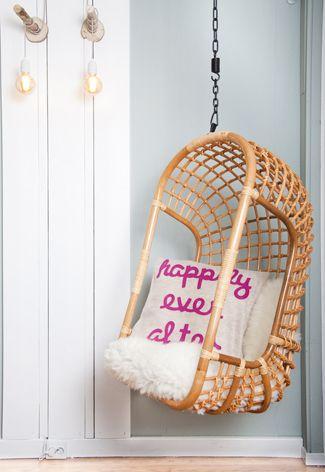 Deze of de witte variant, hangstoel van HK living, wil ik graag nog een keer in mijn woonkamer!