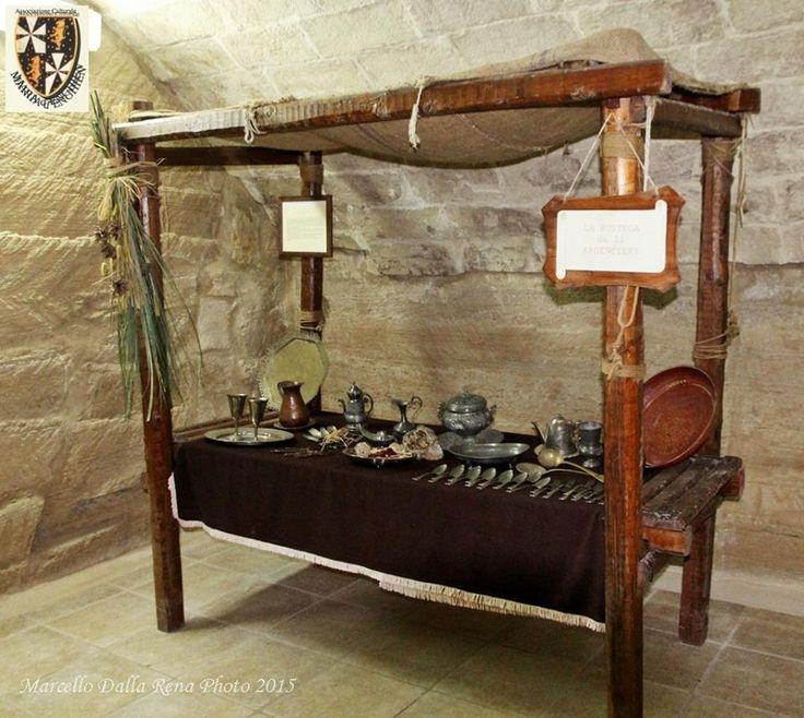#Taranto: oggi andiamo al mercato .... nel medioevo grazie al lodevole servizio fotografico del fotografo Marcello Dalla Rena!!!  Museo Maria D'Enghien (palazzo Fornaro), un tuffo nel medioevo!! http://www.mariadenghien.it/La_Storia.html