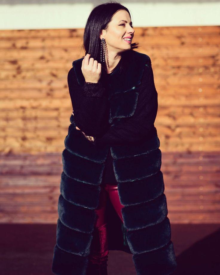 Fur vest for the cold season ❄️