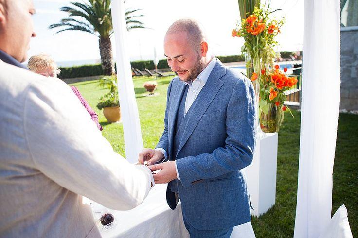 Gay Wedding Ceremony by the Sea at Senhora da Guia's Atlantic Garden plan by Destination Weddings in Portugal. #gayweddingceremonyinportugal #destinationweddingsinportugal