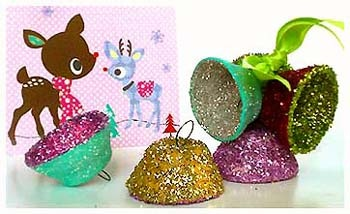 Leuke Lintjes - these glitter bells look so 1950's!  Made with egg cartons - instructions in Swedish? but you the photo is enough
