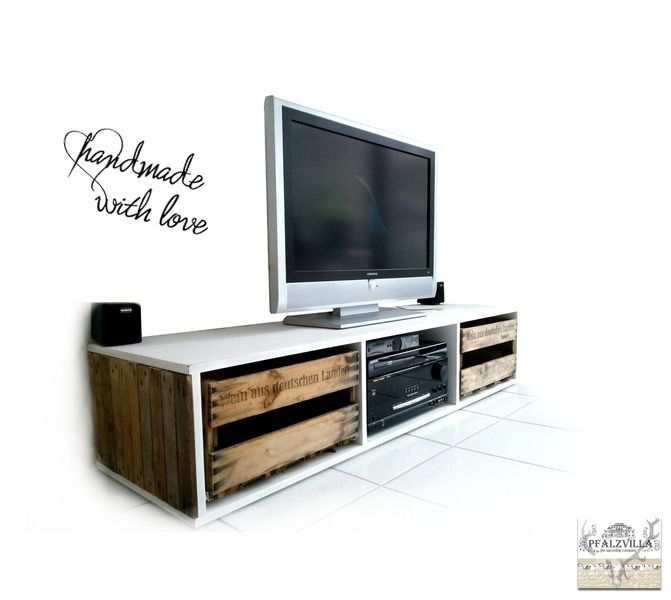 tv board schrank aus alten weinkisten upcycling von pfalzvilla. Black Bedroom Furniture Sets. Home Design Ideas