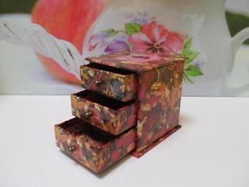 Decoratief sieraden opberg kastje met 3 schuif laden.