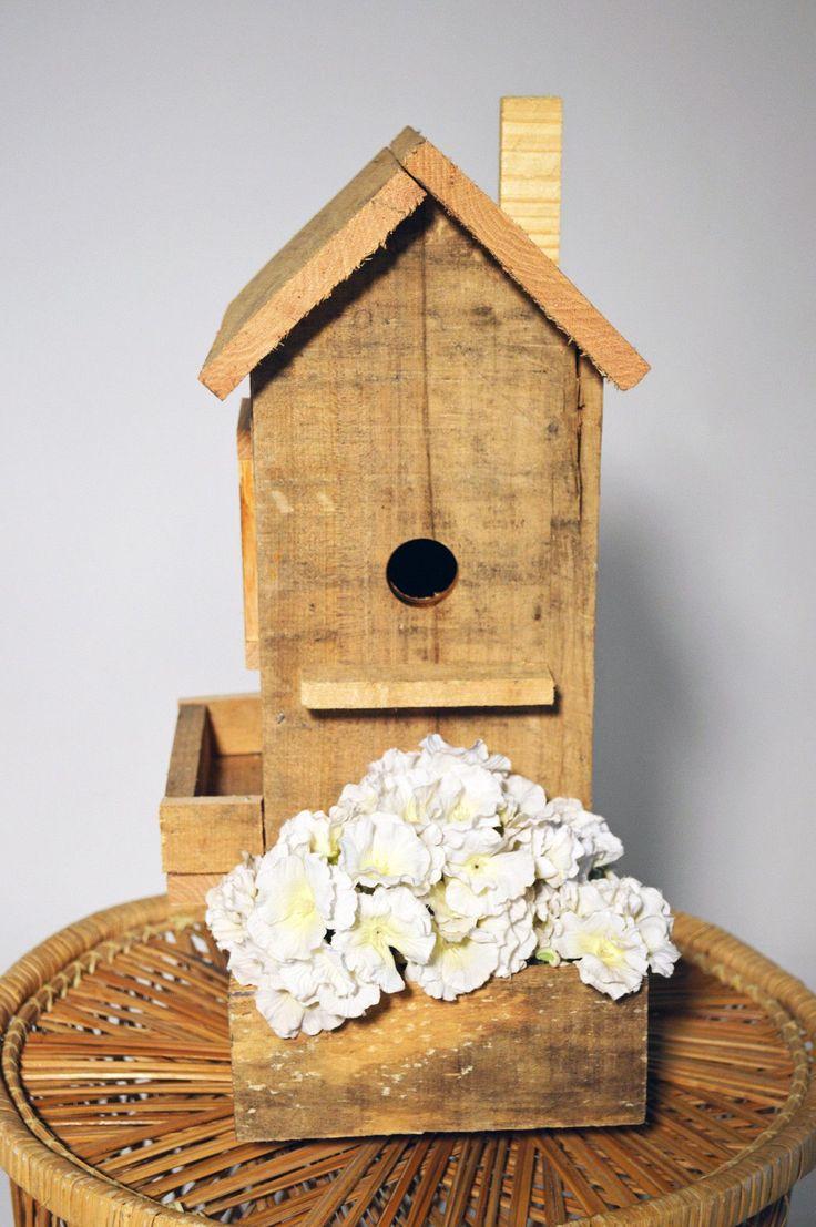 Birdhouse constructed of wood bird house design free standing bird - Pallet Bird House