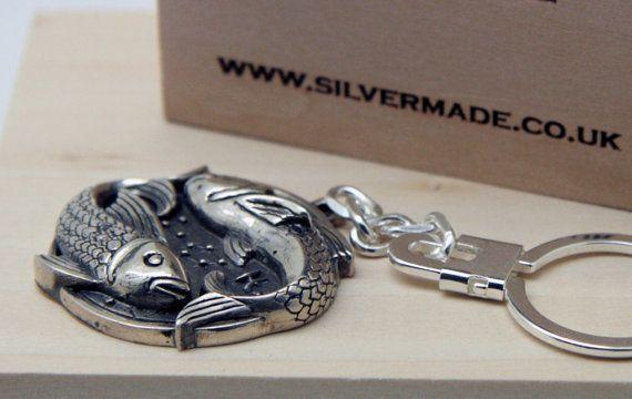 Llavero de plata Piscis por Silvermadecouk en Etsy