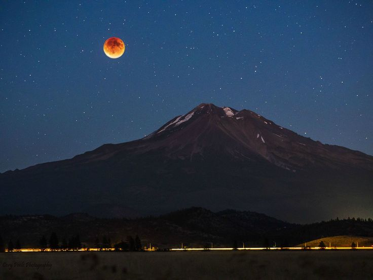 """Tonight's Lunar Eclipse over Mt. Shasta in Northern California. "" by corypoole in EarthPorn - Imgur"
