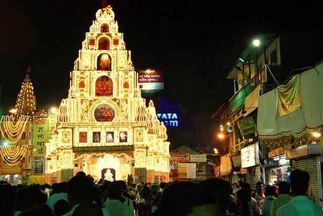 Dagadu Seth Halwai Pandal - Pune, India