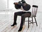 Übungen für die Wirbelsäule: Zwei effektive Übungen um die Wirbelsäule zu mobilisieren. Ganz nebenbei werden die schrägen Bauchmuskeln aktiviert - für eine schmale Taille. Brigitte.