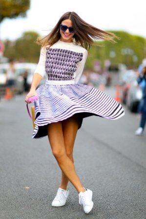 платье с кедами: как носить