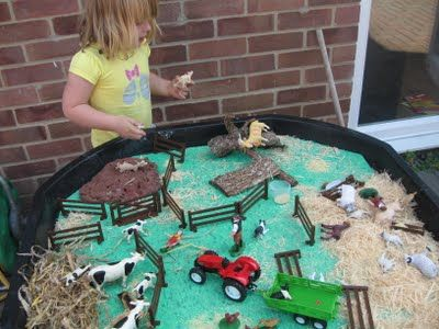 Love the chocolate playdough as mud for the pigs!