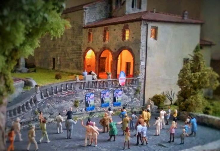 Il comizio elettorale  Preiser diorama partigliano h0