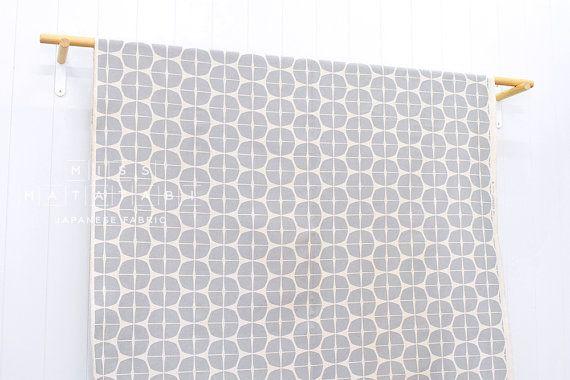 Tessuto giapponese timbro tela grigio naturale di MissMatatabi
