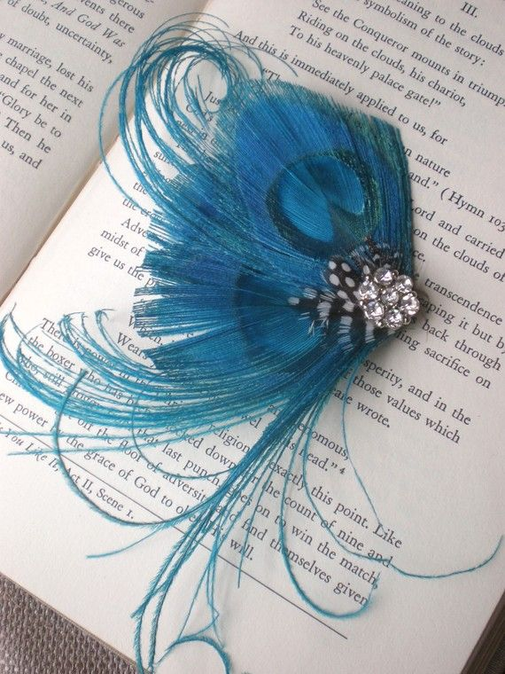 a hair pin like this would be the perfect accent with my wedding dress/ color