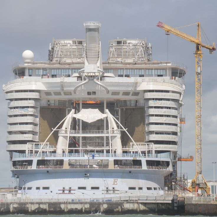 566 best Symphony of the Seas (Oasis 4) Construction at ... Oasis Of The Seas Construction