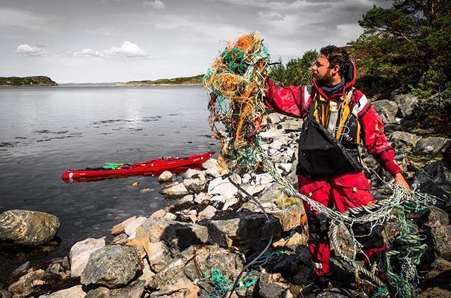 Damn you commercial fishermen! It's fishing nets and ropes all over the coast of Norway! Open your eyes, you are destroying the only thing that keeps you alive! . . . #kayakingnorway2014 #marinelitter #plasticocean #fishermen #fishingnet #ropes #plastic #renkyst #friluftsliv #visitnorway #beatofnorway #truth #plasticpollution #microplastic #nrk #fiskeribladetfiskaren #mankind #nofuture #kristiansund