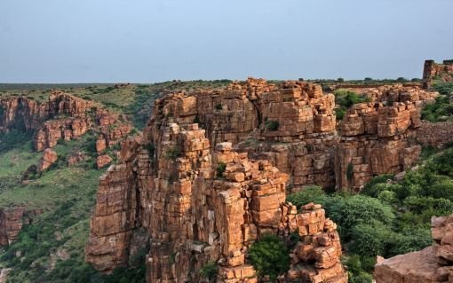 20 Incredible Destinations In India No One Talks About | HolidayIQ Blog Situated amidst a beautiful landscape and wild forests, Gandikota is located in the Kadapa district. The highlight of the place is the Gandikota Fort. It is known for its Vijaynagara style of architecture. There are many viewpoints that offer panoramic views of surrounding forests, plateaus and the Pennar River.