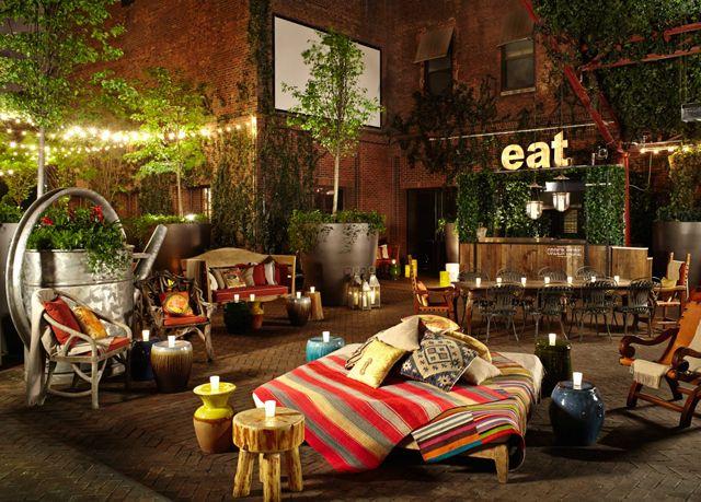 Legendäres Boutiquehotel in Manhattan mit Interieur von Philippe Starck und spektakulären Bars
