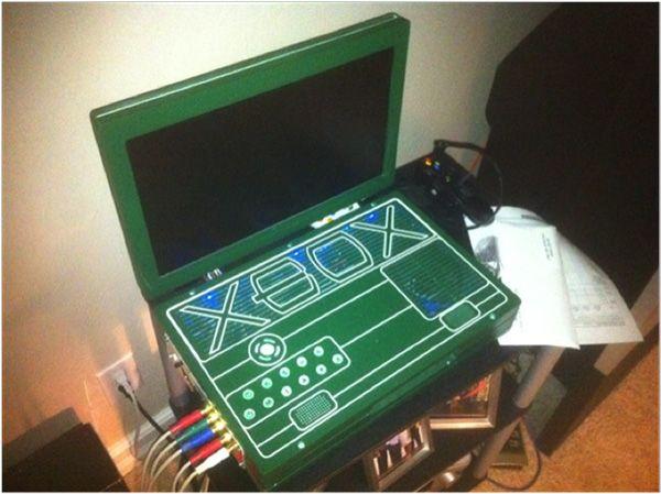Portable Xbox 360  http://walyou.com/portable-xbox-360-console-mod/