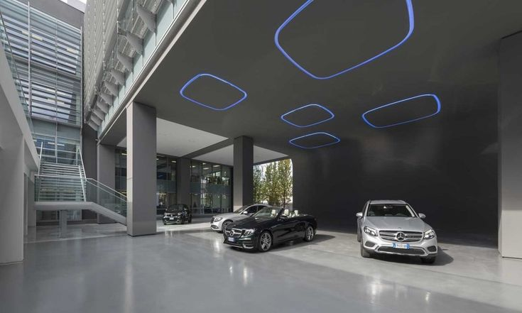 Tour the offices of @MercedesBenz_IT in Rome - design by MPPM Studio:  http://osna.ps/2rDn0vYpic.twitter.com/Md1L93kvDt (Source Office Snapshot)