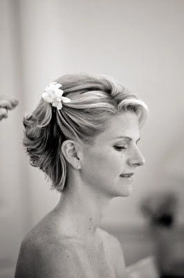 The Northern Bride: Short Wedding Hairstyles