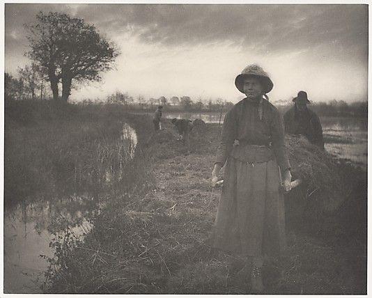 Peter Henry Emerson, Poling the Marsh Hay, 1886, platinum print