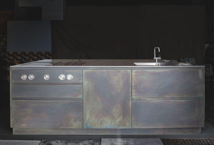 Cucine in ferro e acciaio. Modelli unici.