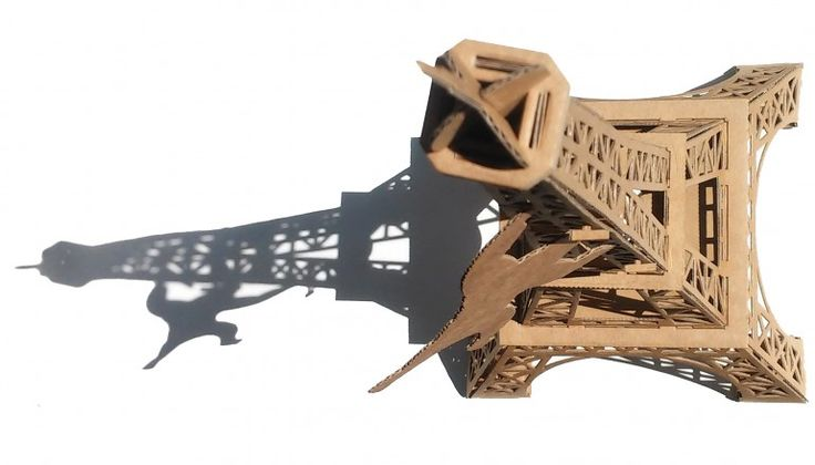 From Leolandia. This beautiful replica of the Eiffel tower comes with it's own climbing gorilla. It can also be used as a lampshade. Available in recycled cardboard, this 23 piece cardboard construction set takes 45 min to assemble. Size:50 cm high assembled. Age: 4+