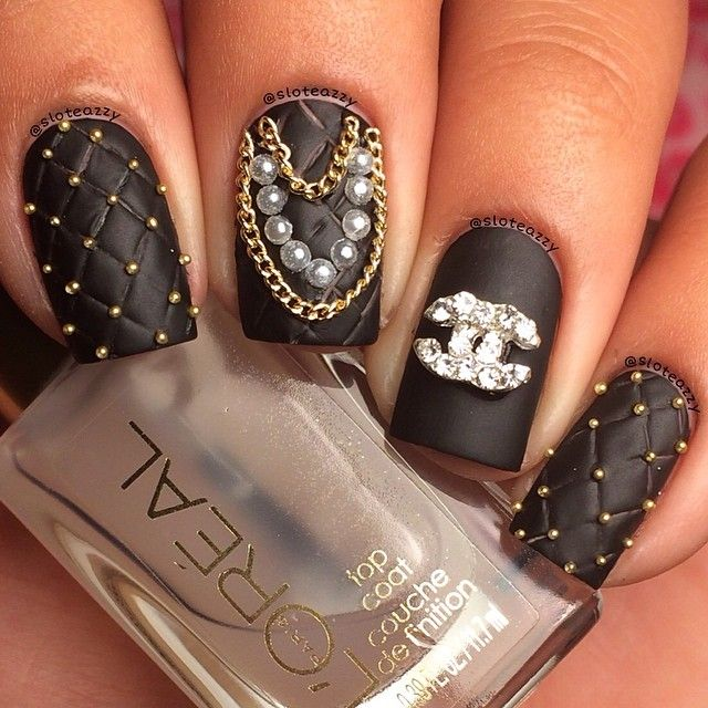 Black Gothic Chanel Nails. sloteazzy #nail #nails #nailart
