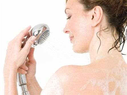 Top 5 Tips for Choosing a Daily Body Cleanser | Health Digezt